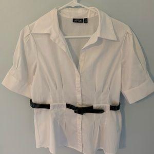 Apt 9 petite medium white shirt w/belt super cute